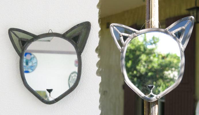 """""""Chat noir"""", miroir à suspendre, H 15cm, L 18cm"""