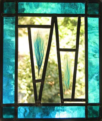 VENDU (Vitrail à suspendre (diptyque), verre et inclusion en résine acrylique, 25x30cm)