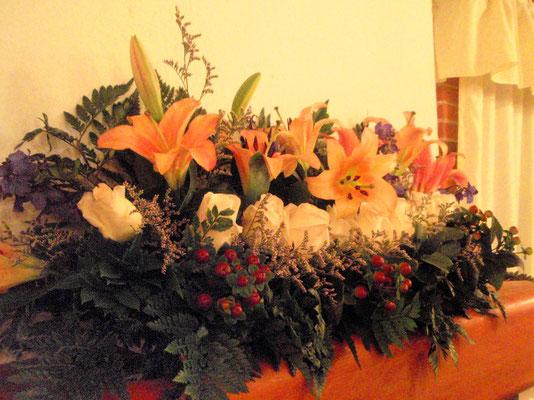 Decoración boda con rosas y lirios