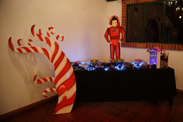 mesa de dulces willy wonka en Cajicá