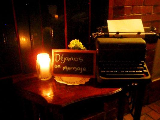 máquina de escribir matrimonio vintage