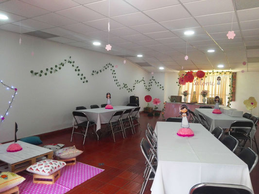 Salón auxiliar Casa El Misterio Cajicá