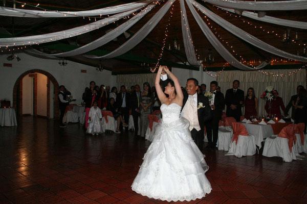 primer baile esposos matrimonio Cajicá