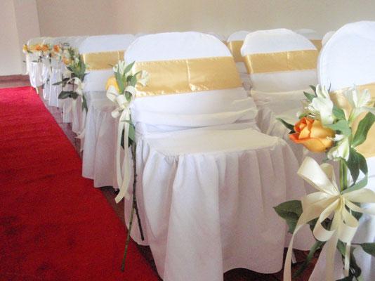 Decoración ceremonia con flores en Cajicá