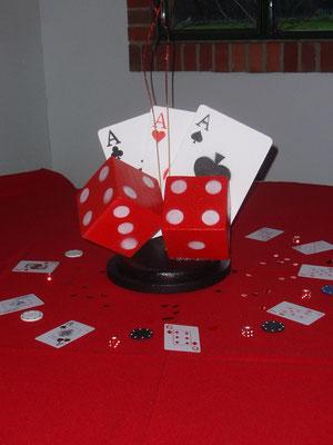 Centro de mesa temática casino para quince años en Cajicá