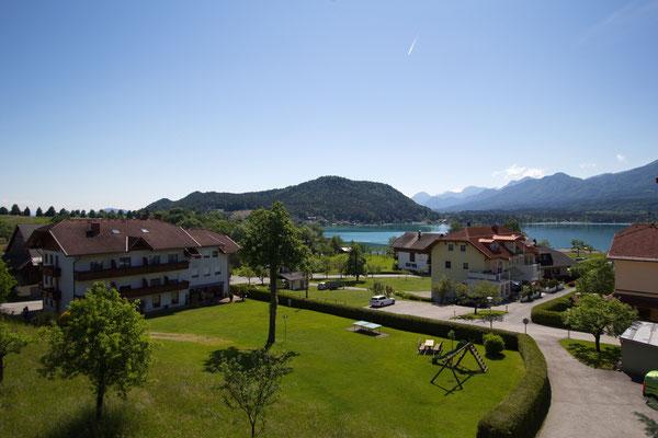 Ausblick von unserem Haus 2 auf den Tabor und den Faaker See