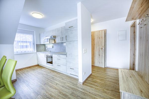 Küchenzeile und Vorraum Fewo Typ C