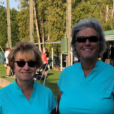 Maureen Hagman (L) and Denise Hebert