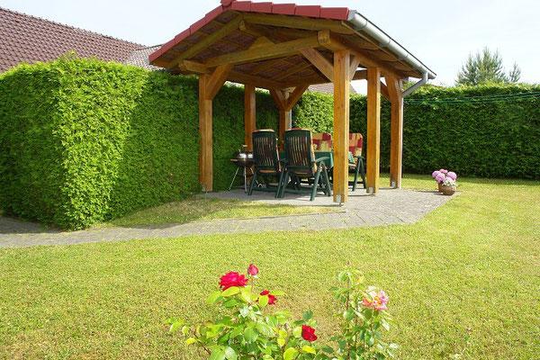 Ferienwohnung in Thomsdorf - Gartensitzplatz