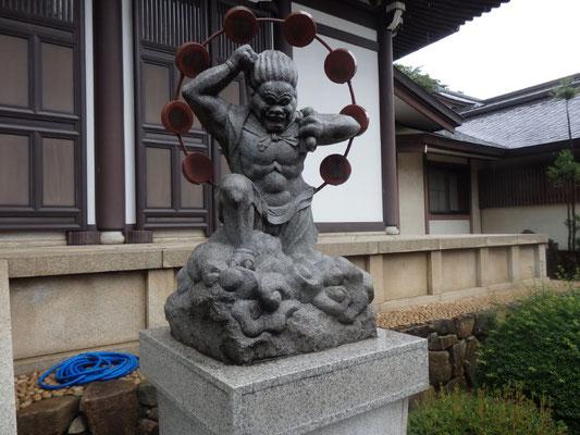 雷神像(東光寺)