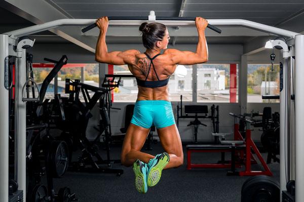 Fotoshooting beim Workout im Gym