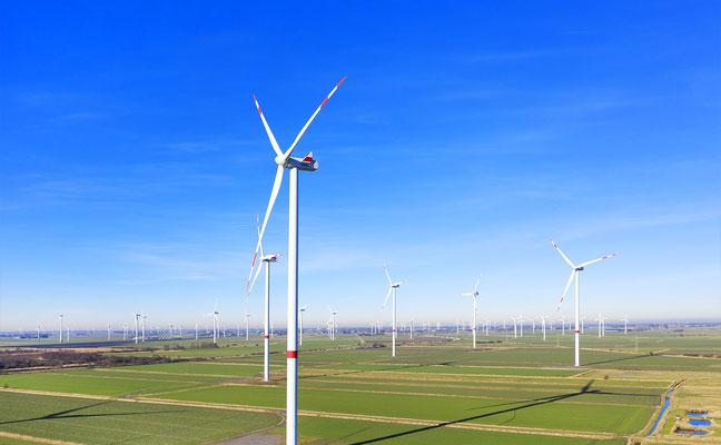 Erneuerbare Energien Drohnenfotografie für Inspektion von Industrieanlagen