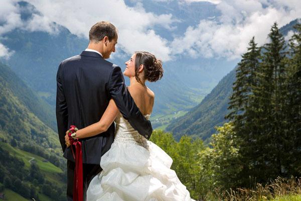 Auch in den Bergen gibt es schöne Hochzeitsfotos