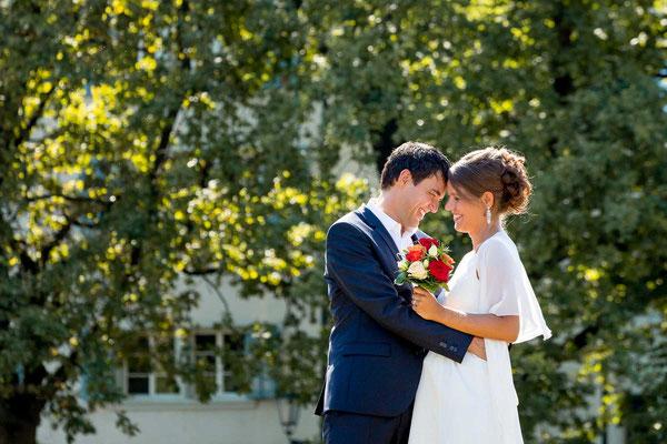 Braut und Brätigam beim Paarfotoshooting
