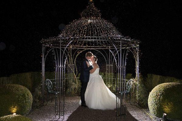 Auch in der Nacht kann man schöne Hochzeitsfotos machen