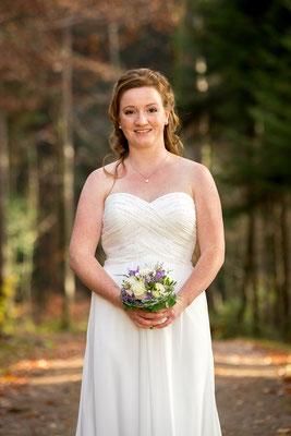 Die Braut beim Fotoshooting im Zürcher Oberland
