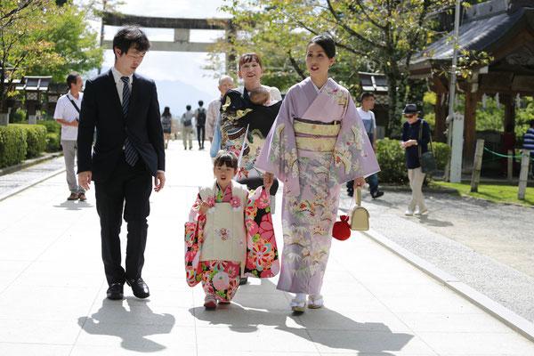 3歳七五三武田神社参道写真