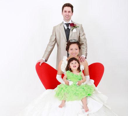 ファミリーフォトウェディング結婚式 山梨 フォトウェディング 結婚写真 和装前撮り 前撮り サマーウェディングロケ撮影 スタジオウェディング撮影 神社結婚式 武田神社挙式 家族婚 少人数婚 家族結婚式 少人数結婚式 家族婚写真 ウェルカムボード ウェルカムフォトフレーム ウェディングフォトパネル 結婚記念日撮影 ソロフォトウェディング 一人でウェディングドレス撮影 マタニティウェディング 甲斐市フォトスタジオ 甲斐市写真スタジオ 甲斐市竜王写真スタジオ 竜王写真スタジオ 竜王駅写真スタジオ