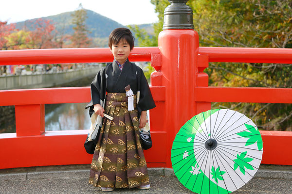 武田神社神橋にて5歳七五三撮影