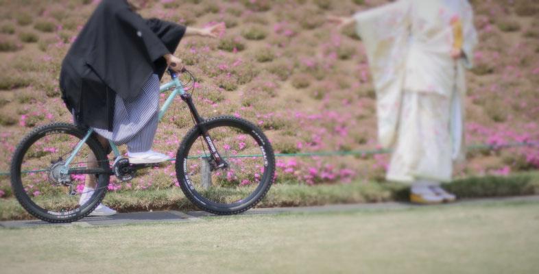 愛車と一緒に フォトウェディング 和装前撮り マウンテンバイク 自転車 愛車 ペット バイク スクーター 4WD アウディ ポルシェ メルセデスベンツ ボルボ 外車 欧州車 日本車 国産車