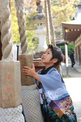 紋付袴をきた五歳男の子七五三写真