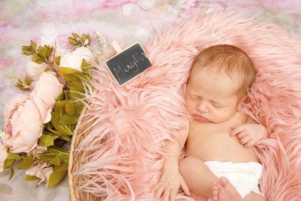 Newbornhomeshooting, schlafendes Baby, Nottwil
