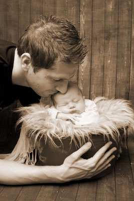 Baby Fotoshooting, stolzer Papi mit Baby, Sursee