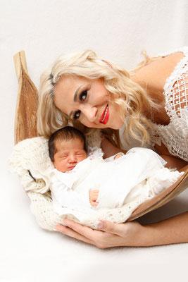 Baby Homeshooting, glückliche Mami ♥, Kaisten