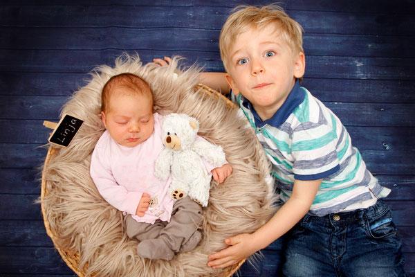 Babyfotoshooting, Bruder und Schwester - Herznach