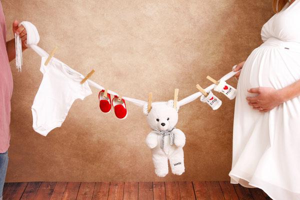 Babybauch Fotoshooting im Fotostuio Mumpf