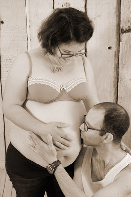 Babybauch, Papi und Mami freuen sich schon sehr