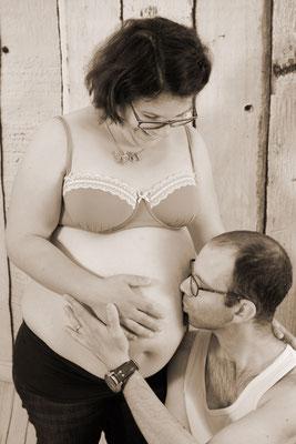 Babybauch, Papi und Mami freuen sich schon sehr, Rheinfelden