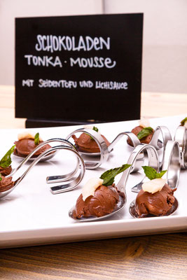 Chili-Tonka-Schokoladen Mousse beim BONITA PR-Event (Tom Tailor Group) / (c) Peter Fobe www.herrfobe.de