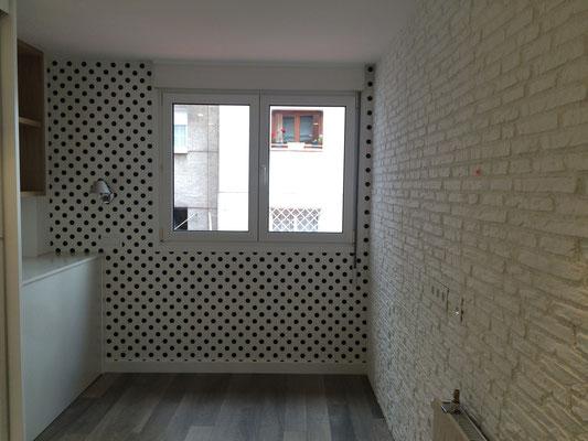 Papel de topos para pared del fondo, aporta profundidad