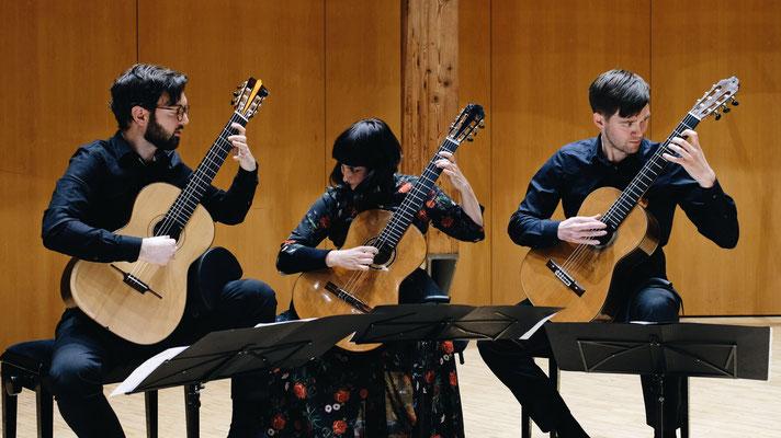 Salzburg Guitar Trio with Katie Lonson und Andrew Booth