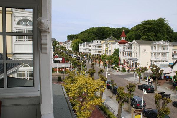 Blick vom Balkon auf die Selliner Wilhelmstraße