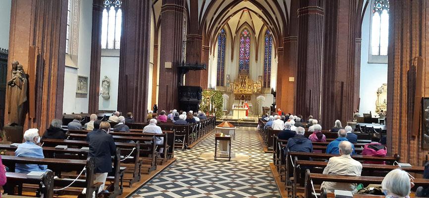 Viele Olfener sind nach Haltern St. Sixtus gepilgert