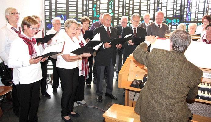 ... und vom Singkreis St. Marien durch seinen Gesang unterstützt