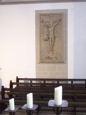 Sandsteinrelief der Kreuzigung Jesu