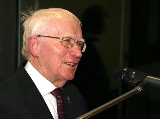 Grußworte von Pfarrer em. Oskar Müller, ehemaliger Pfarrer der Gemeinde St. Vitus