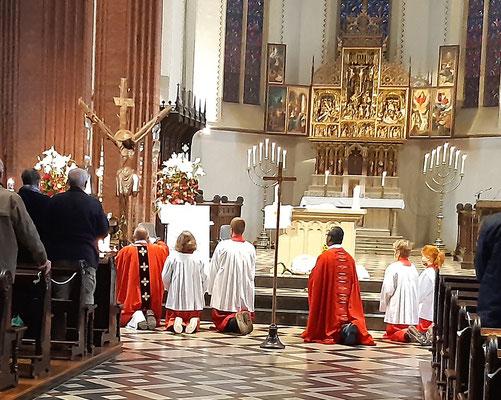 Verehrung des Heiligen Kreuzes