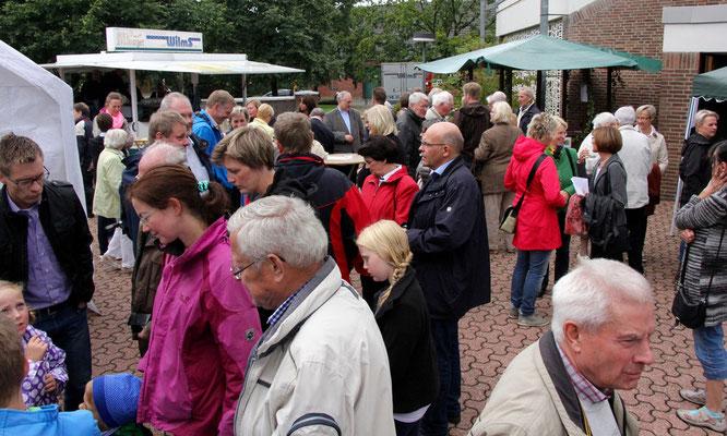 Viele Besucher beim Pfarrfest