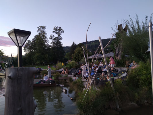 """... """"Lounge-Bereich"""" des Schlierseer Strandbades"""