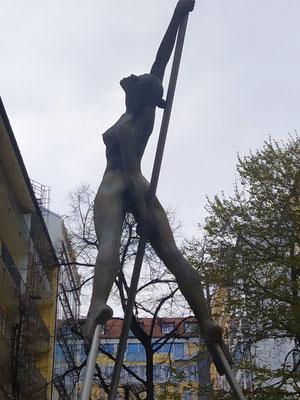 Statue in einem Innenhof, Promenadeplatz, 22.04.21