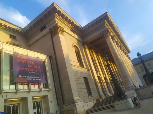 an der Oper, 21.09.XX