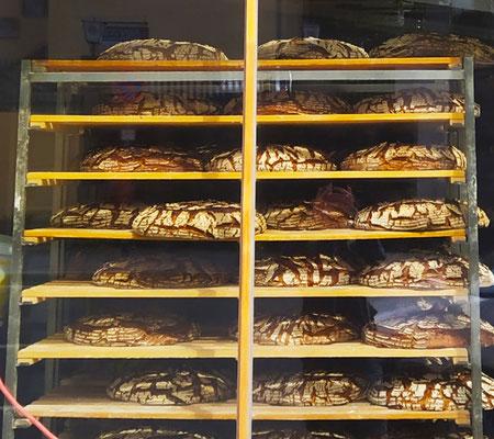 ... hmmmm wie lecker das Brot duftet!!