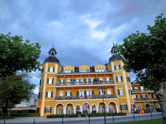 """Schlosshotel Velden """"Ein Schloß am Wörther See"""""""
