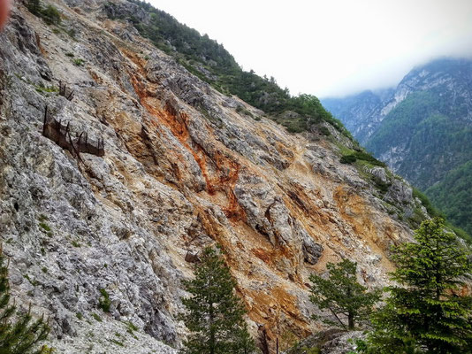 Wunden des jahrhundertelangen Bergbaues