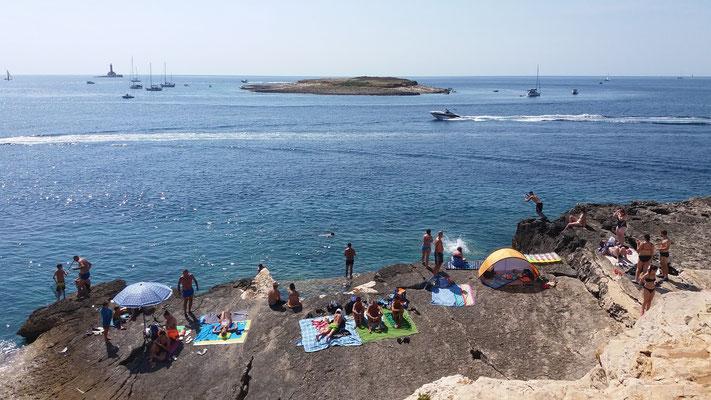 Motorboote, Segelboote  - Durchzugsverkehr herrscht  am südlichsten Punkt Istriens....