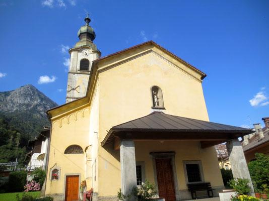 Kirche im Kärntner Baustil in Pontebba / Pontafel